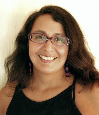 Headshot of Teresa Puente